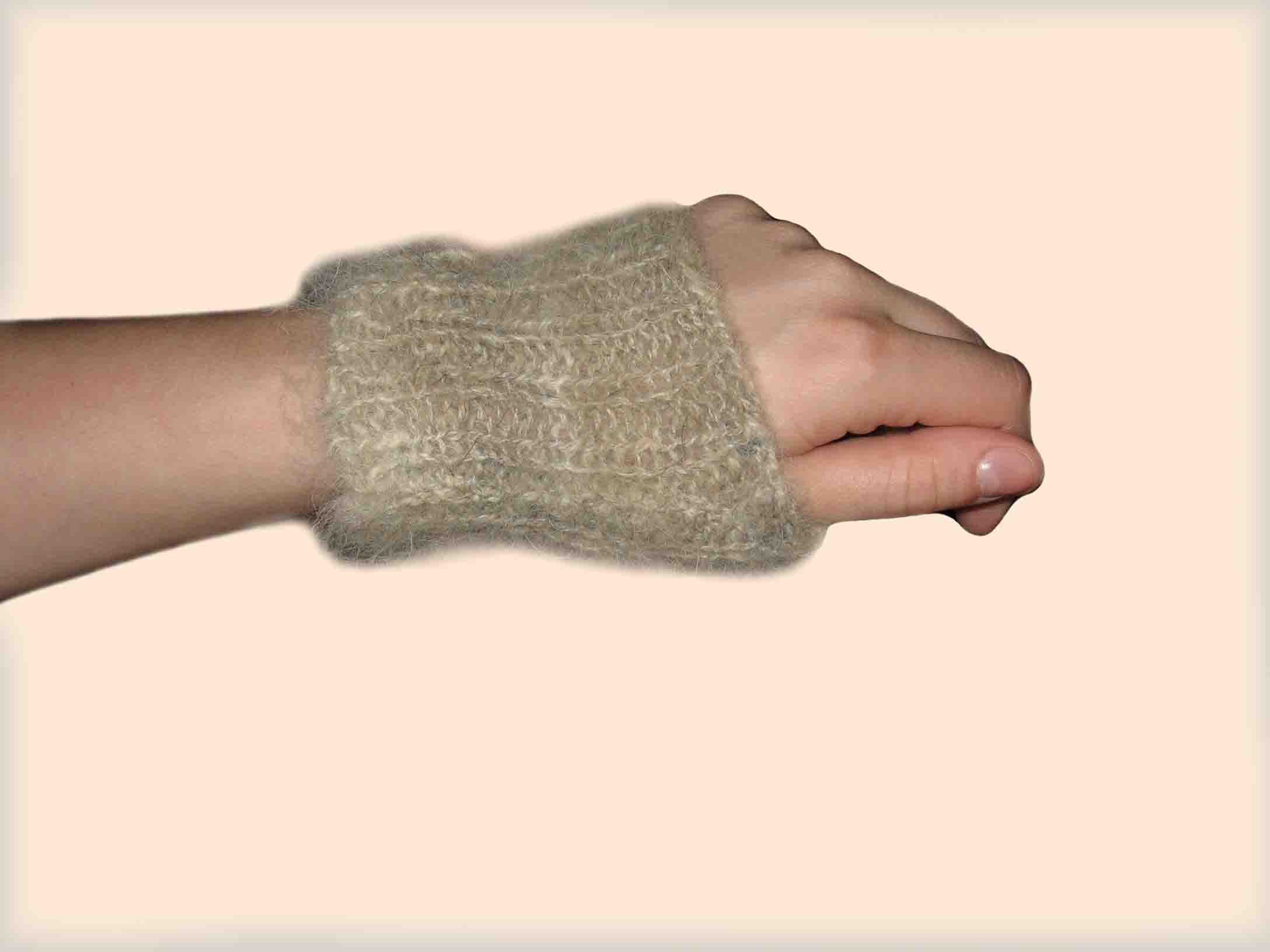 Повязка на руку из собачьей шерсти